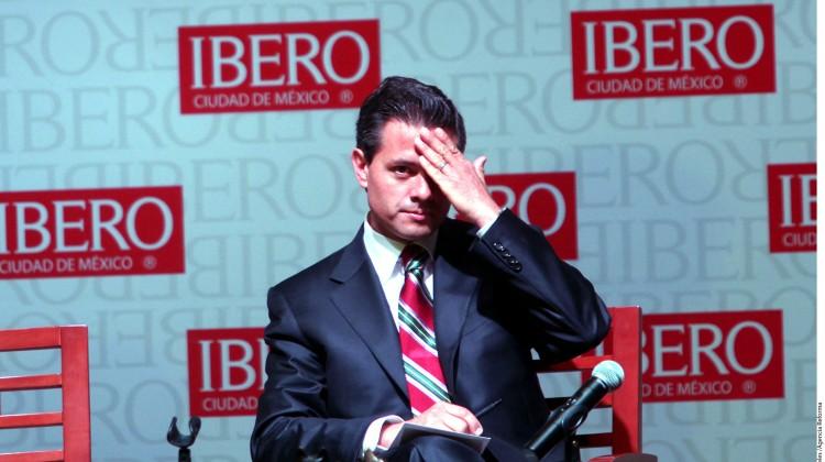 Cuando Peña Nieto se escondió en los baños de la Ibero